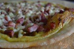Фото рецепта: «Пицца с ветчиной и пореем»