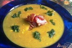 Фото рецепта: «Суп-пюре из чечевицы с сыром и копченой грудинкой.»