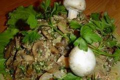 Фото рецепта: «Жареные грибы с орехами»