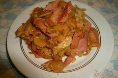 Фото рецепта: «капусту тушеную с колбасой»