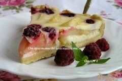Фото рецепта: «Яблочный пирог с малиной»