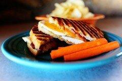 Фото рецепта: «Панини с курицей и беконом»