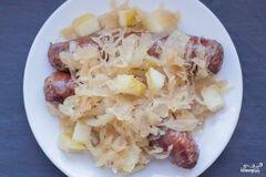 Фото рецепта: «Сосиски с капустой по-немецки»