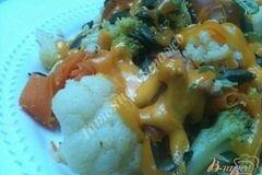 Фото рецепта: «Теплый овощной салат с копчеными сосисками»