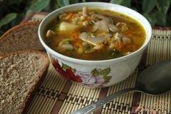 Фото рецепта: «Суп с вешенками и перловой крупой»