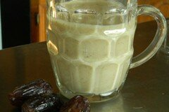 Фото рецепта: «Банановый смузи с черносливом»
