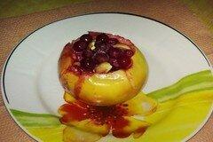 Фото рецепта: «Яблоко запеченное с ягодами и»