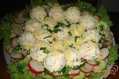 Фото рецепта: «Творожные крокеты на овощном салате»