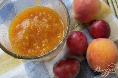 Фото рецепта: «Cливово-персиковый десерт»