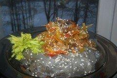Фото рецепта: «Имбирное мясо с лапшой фунчоза»