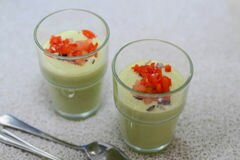 Фото рецепта: «Холодный суп с огурцом и авокадо»
