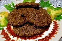 Фото рецепта: «Печеночные котлеты с манкой»