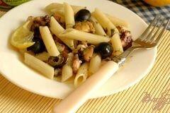 Фото рецепта: «Пенне с дарами моря и маслинами»