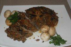 Фото рецепта: «Свинная шейка в харисе, запечёная с грибами»