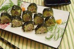 Фото рецепта: «Ролл из отварного картофеля и селедочки»