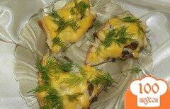 Фото рецепта: «Горячие бутерброды с маринованными грибами»