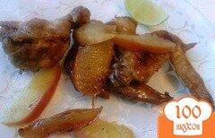Фото рецепта: «Куриные крылышки с яблоками»