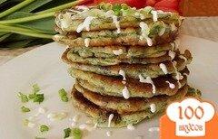 Фото рецепта: «Оладьи из зелени с чесночным соусом»