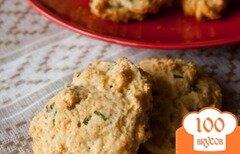 Фото рецепта: «Печенье с зеленым луком и голубым сыром»