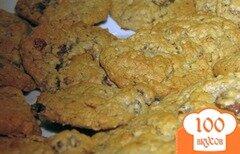 Фото рецепта: «Овсяное печенье с изюмом и шоколадом»