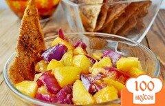 Фото рецепта: «Персиковая сальса с пряными чипсами из лаваша»