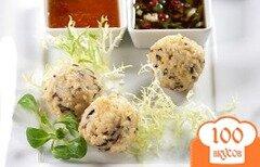 Фото рецепта: «Рисовые шарики под острым соусом на выбор»