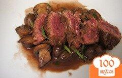 Фото рецепта: «Стейк из говядины с грибным соусом»