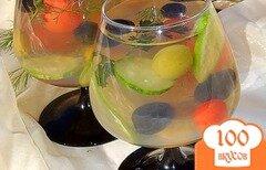 Фото рецепта: «Овощной салат в желе с оливками и маслинами»