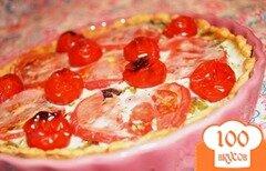 Фото рецепта: «Закусочный пирог с помидорами и сыром фета»