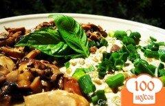 Фото рецепта: «Чечевица с кешью и маринованными грибами»