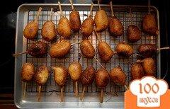 Фото рецепта: «Сосиски в кляре на палочке»