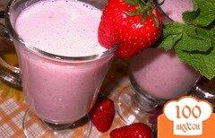 Фото рецепта: «Клубнично-йогуртовый коктейль»