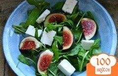 Фото рецепта: «Салат с сыром и инжиром»