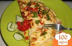 Фото рецепта: «Омлет с рыбой и сыром»