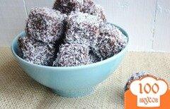 Фото рецепта: «Ламингтоны (австралийские пирожные с кокосовой стружкой)»