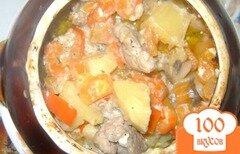Фото рецепта: «Жаркое с грибами и свининой в горшочках»