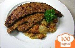 Фото рецепта: «Жареная телячья печень с луком и беконом»