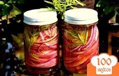 Фото рецепта: «Розовый маринованный лук»