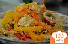 Фото рецепта: «Куриный салат с сыром фета и овощами»