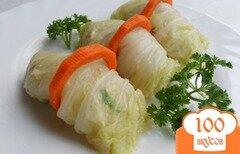 Фото рецепта: «Капустные рулетики с рыбным салатом»