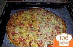 Фото рецепта: «Домашняя пицца на скорую руку»
