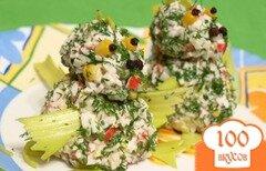 """Фото рецепта: «Салат с рисом и крабовыми палочками """"Дракончики""""»"""