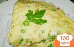 Фото рецепта: «Омлет с зеленым горошком, луком и сыром»
