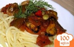 Фото рецепта: «Спагетти с мидиями и овощами»