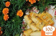 Фото рецепта: «Трубочки с сыром и копчёными колбасками.»
