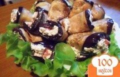 Фото рецепта: «Рулетики из баклажан с фетой и помидорами»