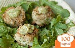 Фото рецепта: «Крабовые оладьи с сальсой из авокадо»