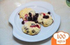 Фото рецепта: «Сырники с изюмом в духовке»