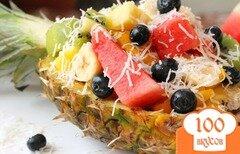 Фото рецепта: «Фруктовый салат в ананасе»