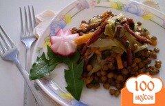 Фото рецепта: «Чечевица с овощами и копченой колбасой»